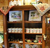 Thomas Covered Bridge collectibles